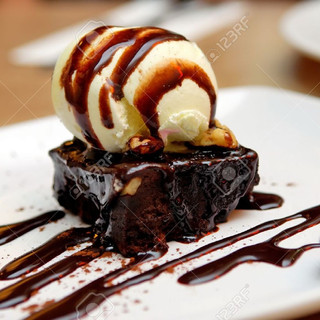 13004772-chocolate-brownie-with-vanilla-
