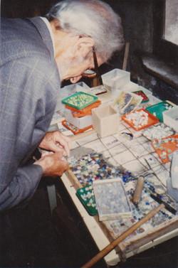 Daniel Gloria dans son atelier