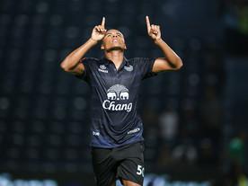 Jajá, ex-Fla e Inter, marca três vezes e encaminha título do Buriram na Tailândia