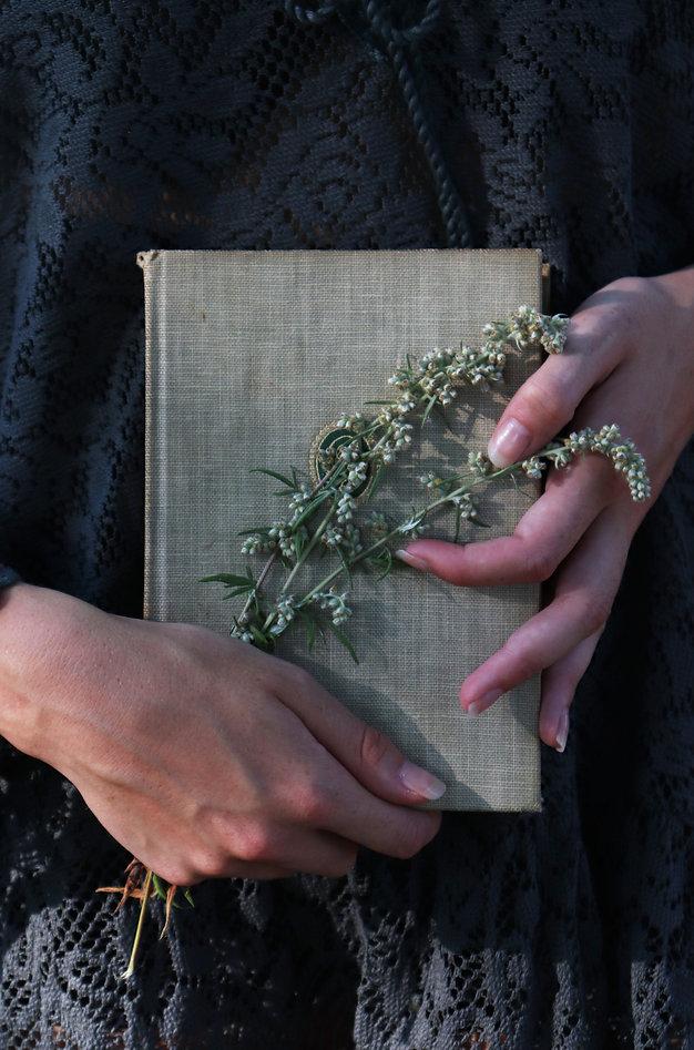 boek en bloemen.jpg