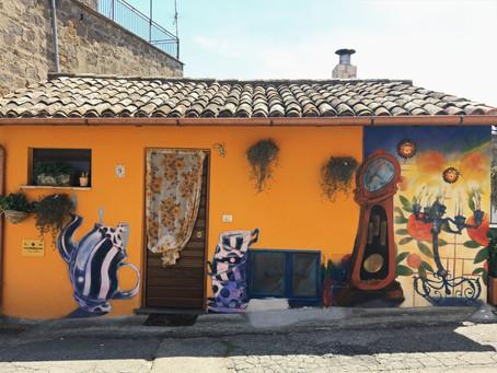 I Murales di Sant'Angelo: il Paese delle Fiabe