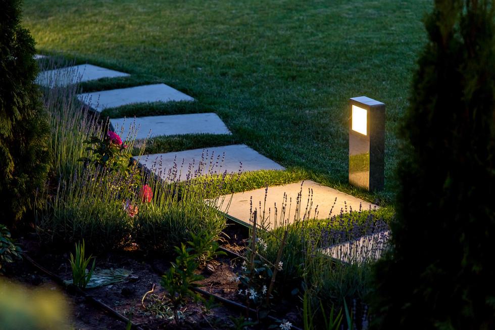 oswietlenie-ogrodowe.jpeg