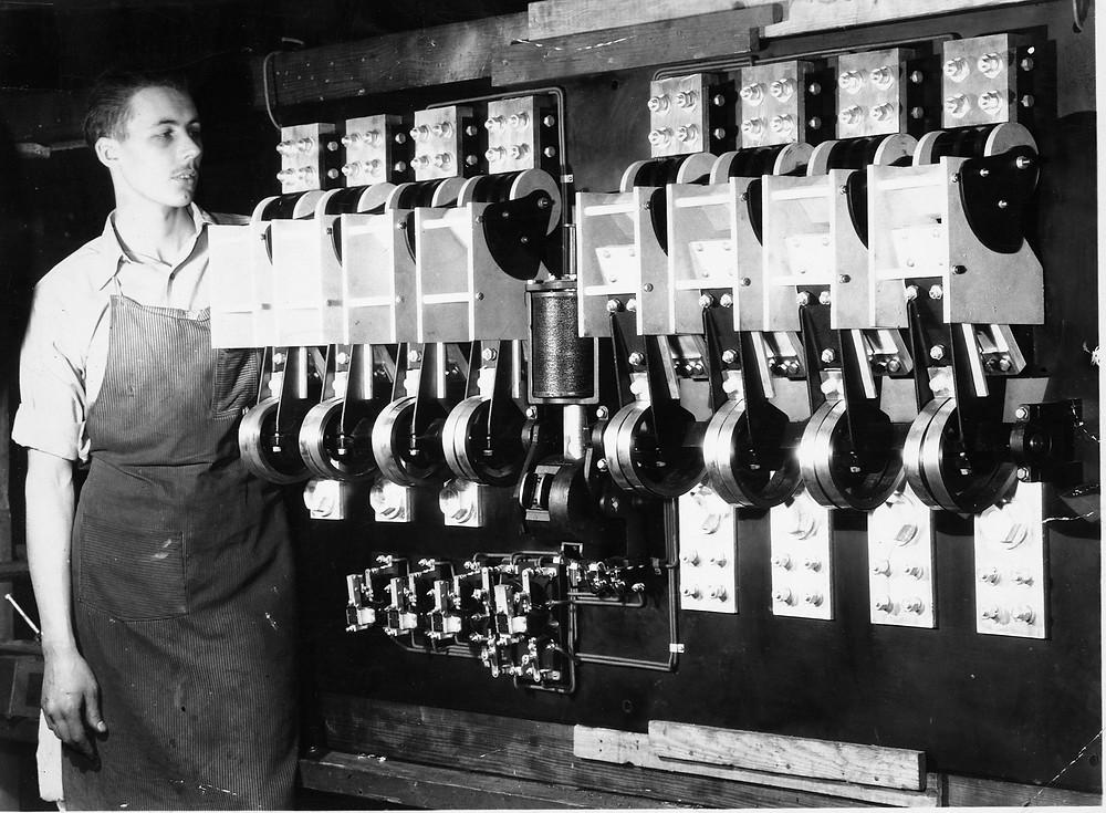 Четырехполюсный АВР ASCO на 1000А, 1938 год