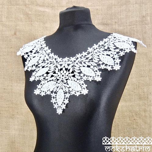 Large White Lace Guipure Neckline Collar Applique delicate leaf flower floral scoop neckline retro boho style Mokshatrim