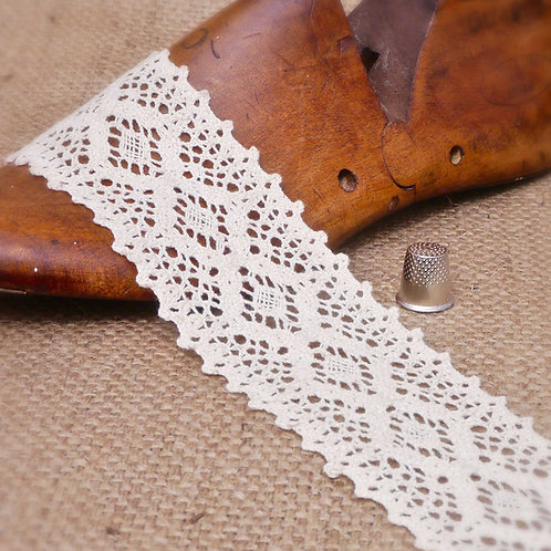 Cream Geometric Crochet Cotton Diamond Lace M338