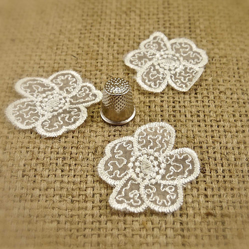 Ivory Lace Embroidered Tulle Applique M382