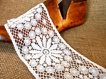 Cluny Lace Nottingham Lace Leavers Lace