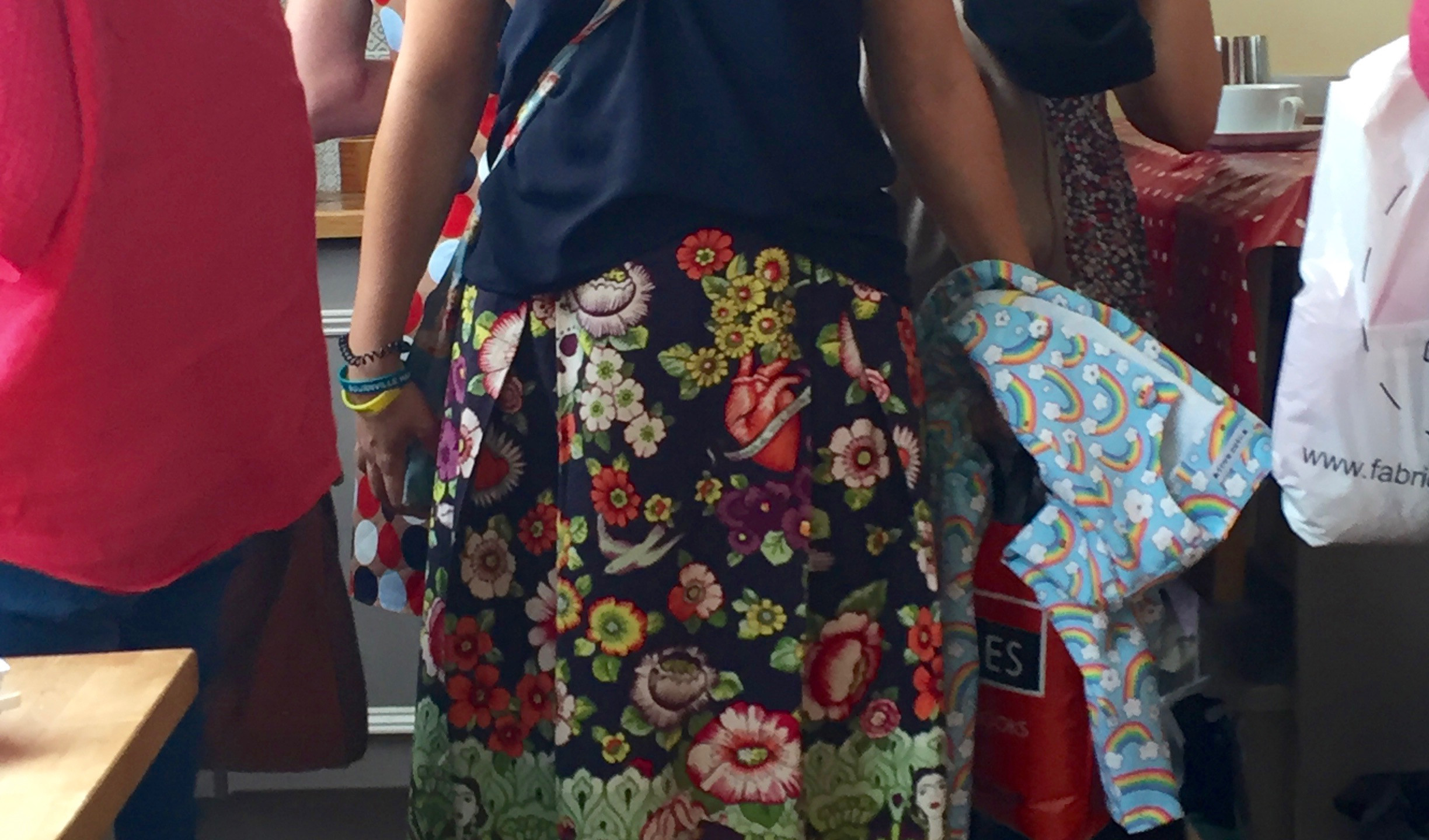 The most GORGEOUS skirt! Alexander Henry fabric is so great with Frida Kahlo and a few random skulls.