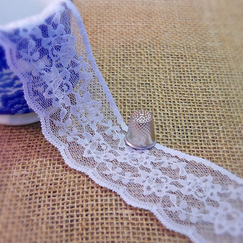 White Lace chantilly bridal wedding delicate flower floral design scalloped edge
