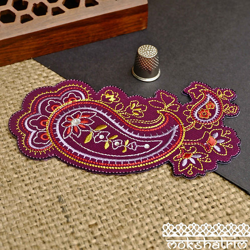 Asian Indian iron on paisley ethnic applique patch upcycling haberdashery sparkle metallic Mokshatrim