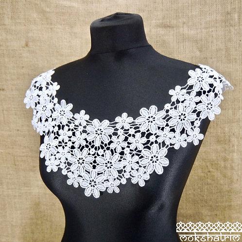 Large White Lace Guipure Neckline Collar Applique delicate flower floral daisy wide scoop neckline boho style Mokshatrim