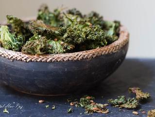 2 מתכונים לצ'יפס ביתי בריא: קייל ושעועית ירוקה