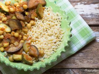 רוצים לחסוך כסף? - תבשיל חומוס, ירקות ועגבניות מעולה ממצרכים שכבר תכננתם לזרוק