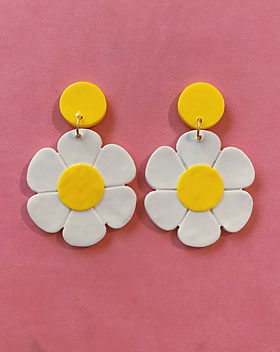 Blush Daisy Earrings
