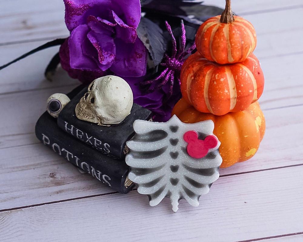 Mint-Juelp-Maven-Bones-Halloween-Pin