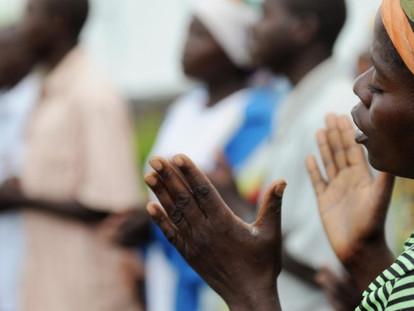 Oramos con el Papa por los cristianos de África – Mayo 2017