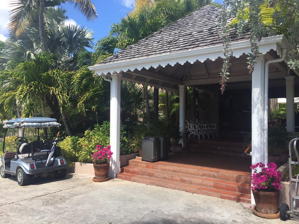 Curtain Bluff Antigua, lobby entrance..  Elli Travel is a New York Luxury Travel Agency specializing in leisure travel for families, couples & groups.  Proud members of Virtuoso, Four Seasons Preferred, Rosewood Elite, Belmond Bellini Club, Starwood Luxury Privelages and Ritz Carlton Stars