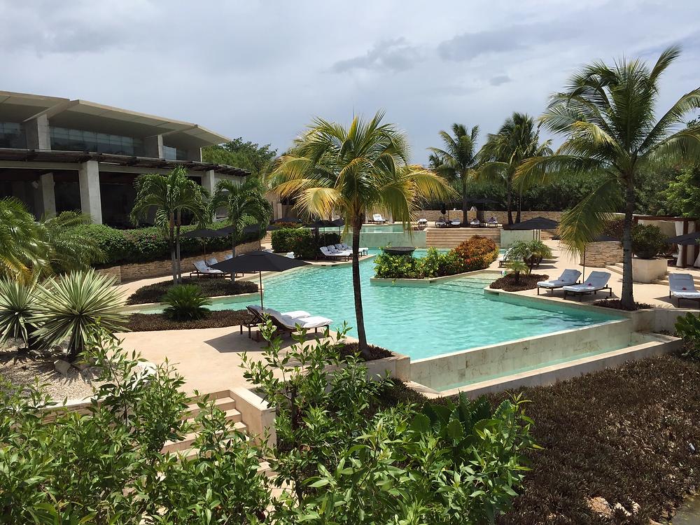 Rosewood Mayakoba infinity pool