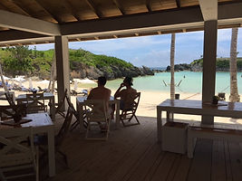 Beachside dining at the Hamilton Princess Beach Club... Elli Travel Group is a New York based travel agency specializing in luxury travel. How can I upgrade my Hamilton Princess, Bermuda Experience? Through Elli Travel Group, clients receive complimentary amenities.  We are proud members of Virtuoso, Rosewood Elite, and Starwood Luxury Privileges.