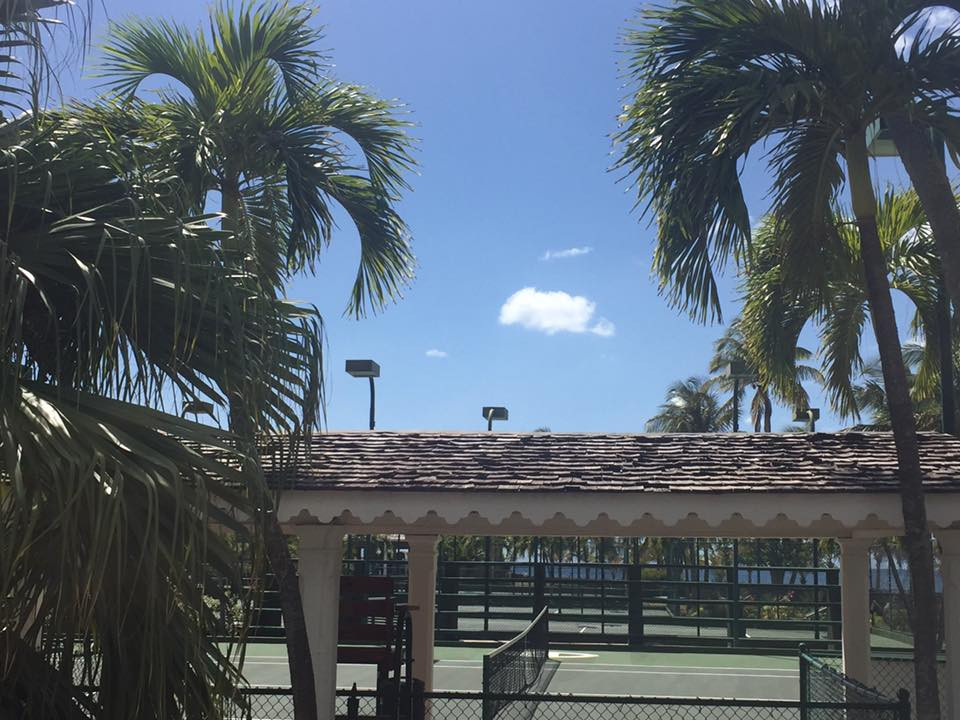 Curtain Bluff Antigua Oceanfront tennis courts....  Elli Travel is a New York Luxury Travel Agency specializing in leisure travel for families, couples & groups.  Proud members of Virtuoso, Four Seasons Preferred, Rosewood Elite, Belmond Bellini Club, Starwood Luxury Privelages and Ritz Carlton Stars