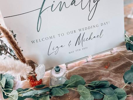 A Wonderfully White Wedding: Liza and Michael Dixon's Wedding.