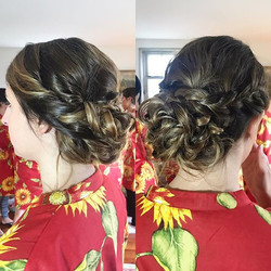 Who doesn't love a romantic braided updo_