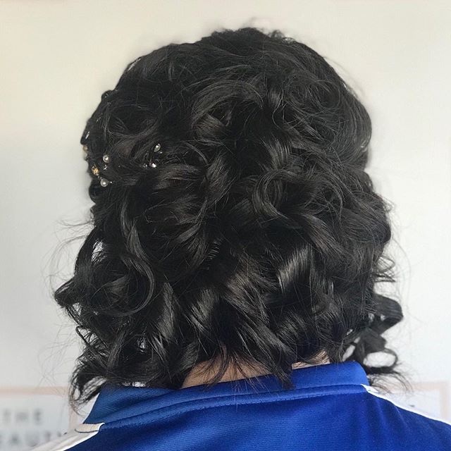 Super pretty updo by Marsia 🔥🔥
