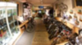 Innenaufnahme DropIn Bikeshop I Dein Gravity Shop in Chur.