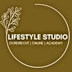 Nieuw logo wit en bruin.png