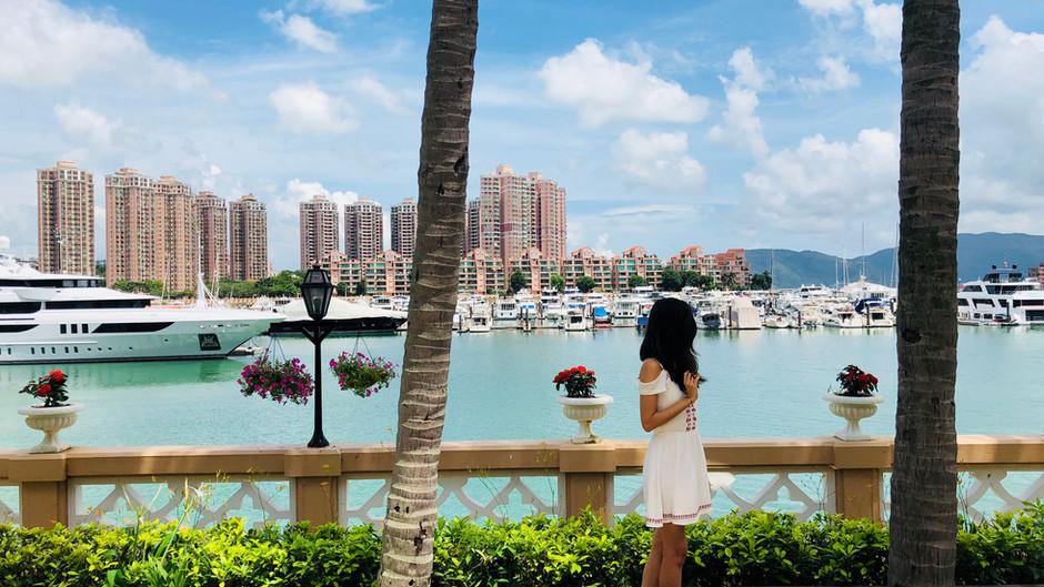 HONG KONG - A CITY OF SURPRISES