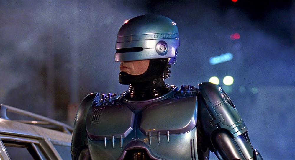 Lo straordinario Peter Weller nei panni di Robocop