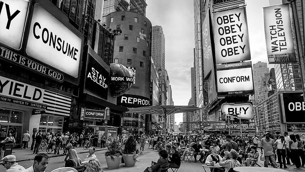Campo totale di Times Square in Essi Vivono