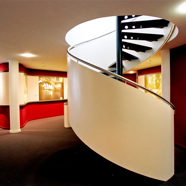 093 Treppe Empfang.jpg