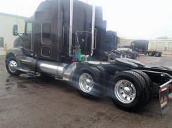 Sleeper-Semi-Trucks-Kenworth-T660-23932725