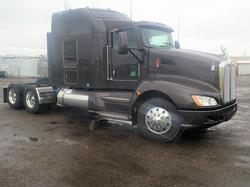 Sleeper-Semi-Trucks-Kenworth-T660-23932728