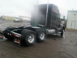 Sleeper-Semi-Trucks-Kenworth-T660-23932726