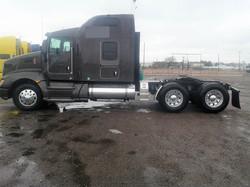 Sleeper-Semi-Trucks-Kenworth-T660-23932745