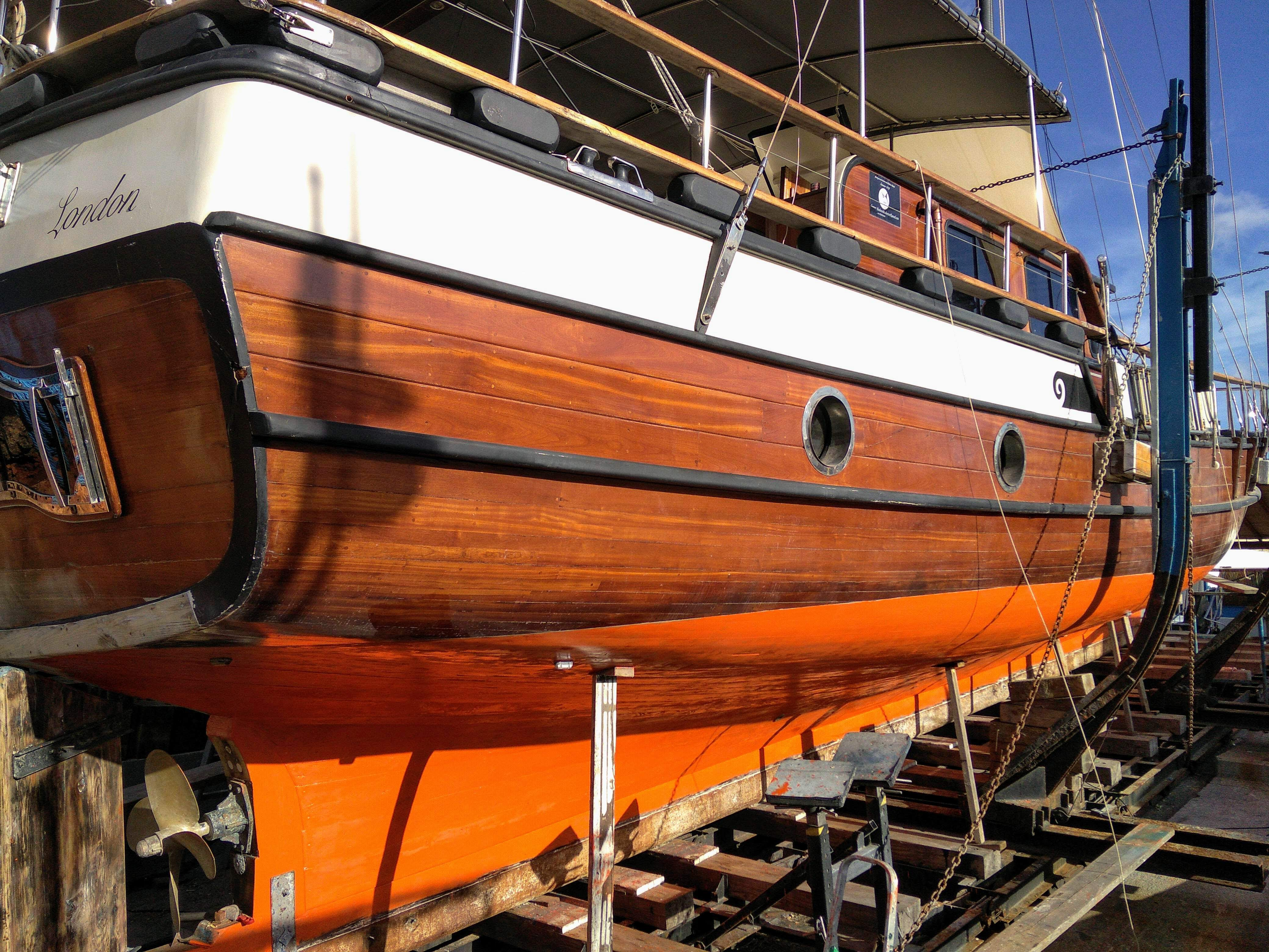 Applying fish oil to seal the hull