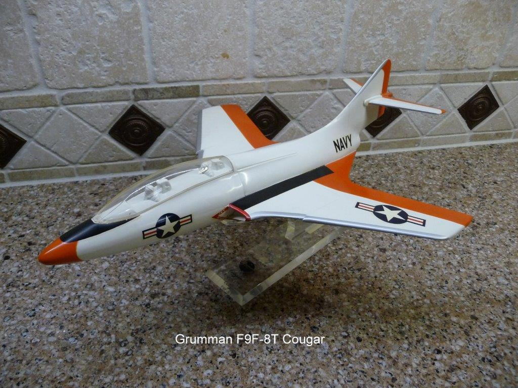 Grumman F9F-8T