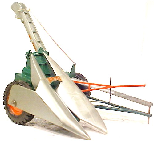New Idea corn picker  (2)