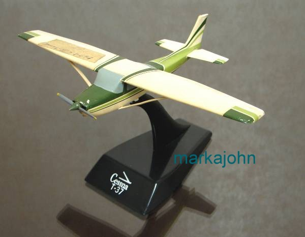 Cessna 150 sample model