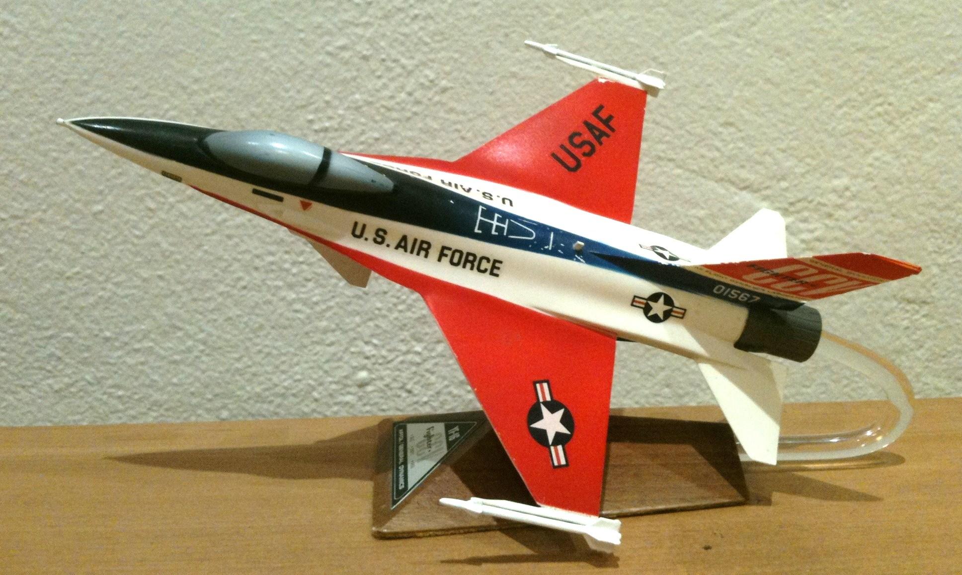 General Dynamics F-16 Rollout