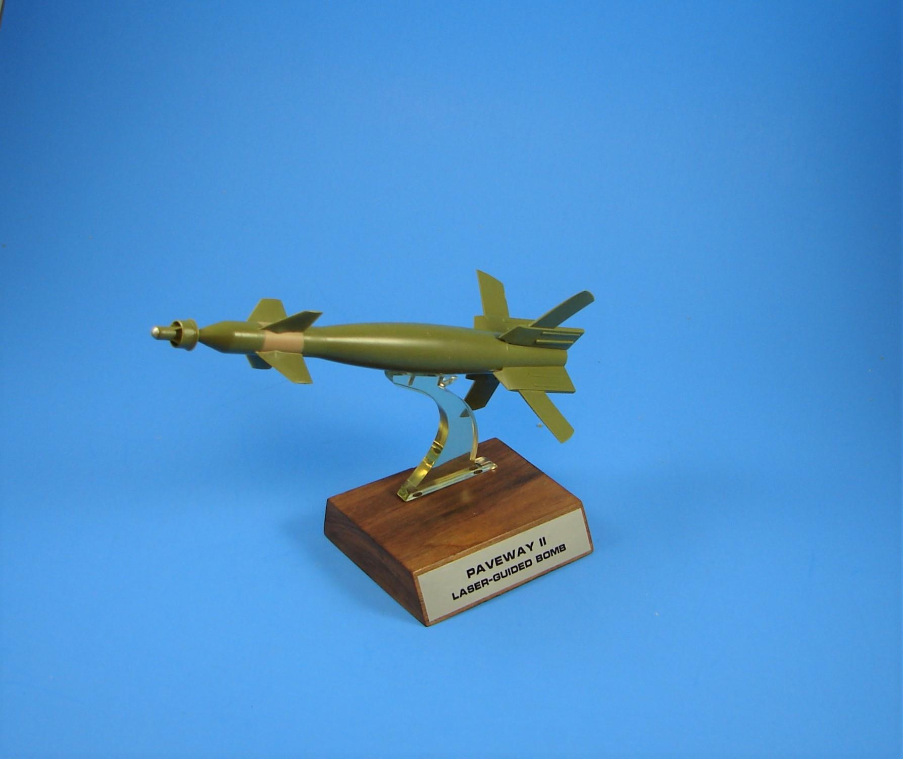 TI MK-83 Paveway II