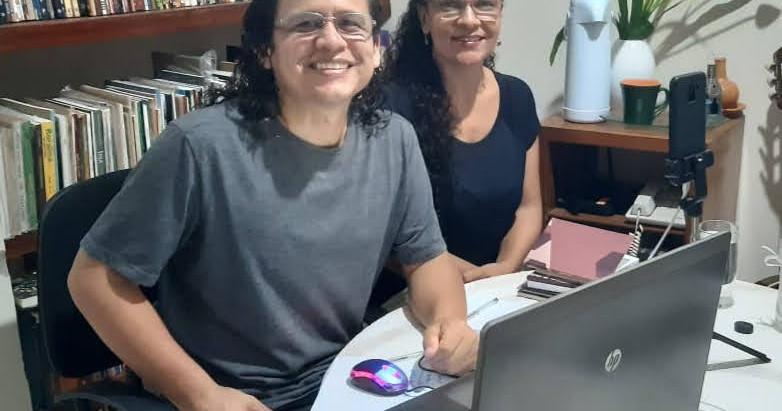 Escritores fazem festa do poema secreto no último Sarau da Lona Poética em 2020