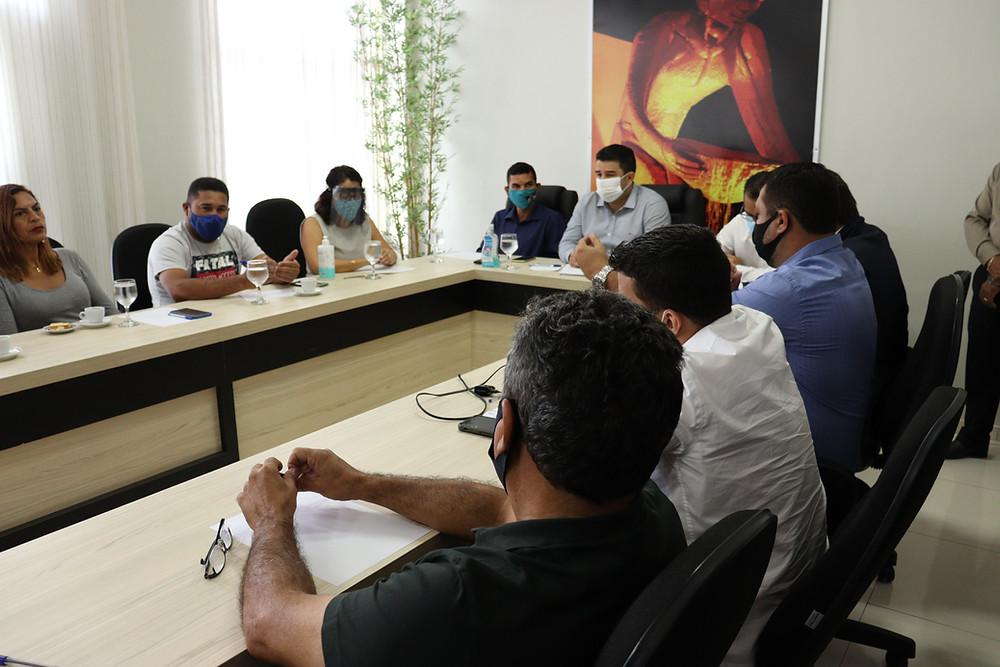 reunião de professores com vereadores