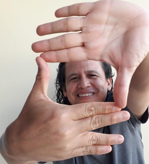 O escritor e jornalista Edgar Borges tem dialogado todas as semanas com um artista roraimense em seu webprograma no Youtube