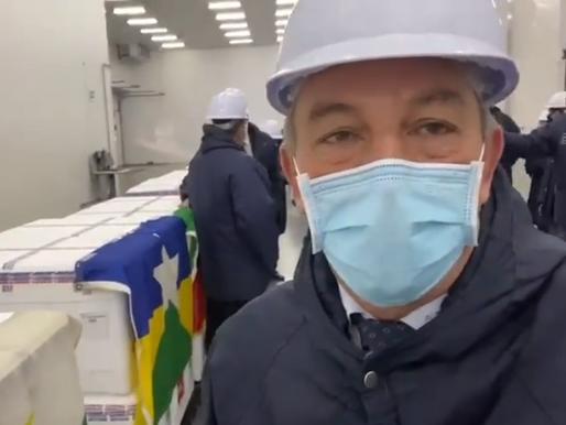 Roraima recebe primeiras 87,7 mil doses da vacina contra a Covid-19. Imunização começará logo