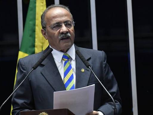 Senador Chico Rodrigues não se pronuncia sobre presença de agentes da PF em sua casa