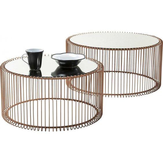 Discrète et élégante, nous apprécions cette table en filetage.