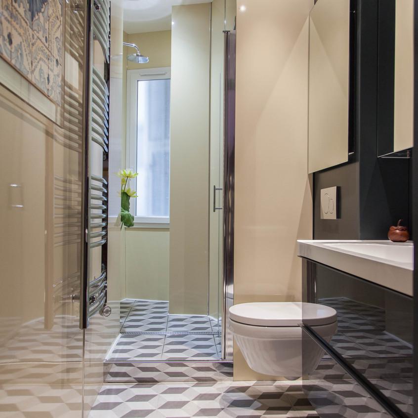 A l'origine, la douche était dans une autre pièce.